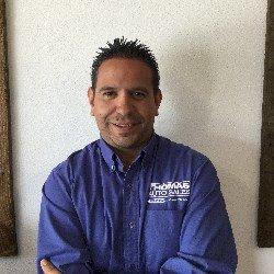 Gustavo - Sales Person