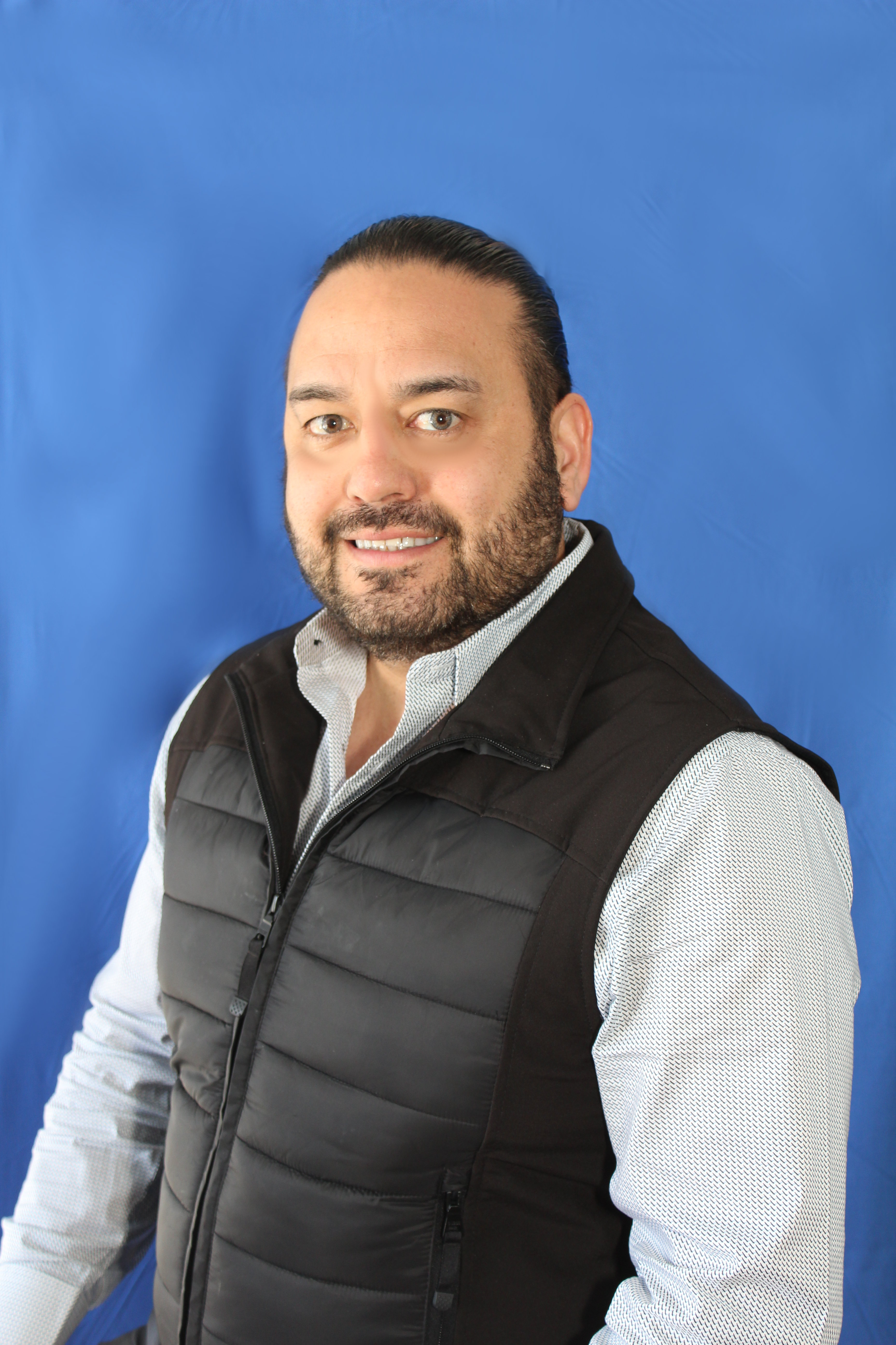 Eli Covarrubias - New and Pre-Owned Sales