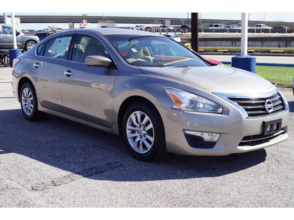 Preowned Nissan Altima In Houston Texas