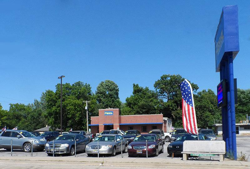 Regal Car Sales - Springfield