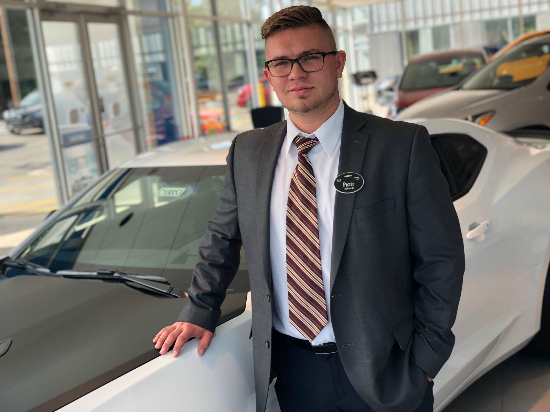 Piotr Jurkkowski - Sales Consultant