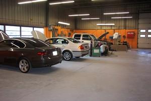 Body shop Champagne West Motor Car Company